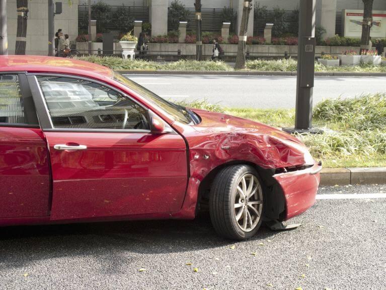 交通事故に遭った場合の対処